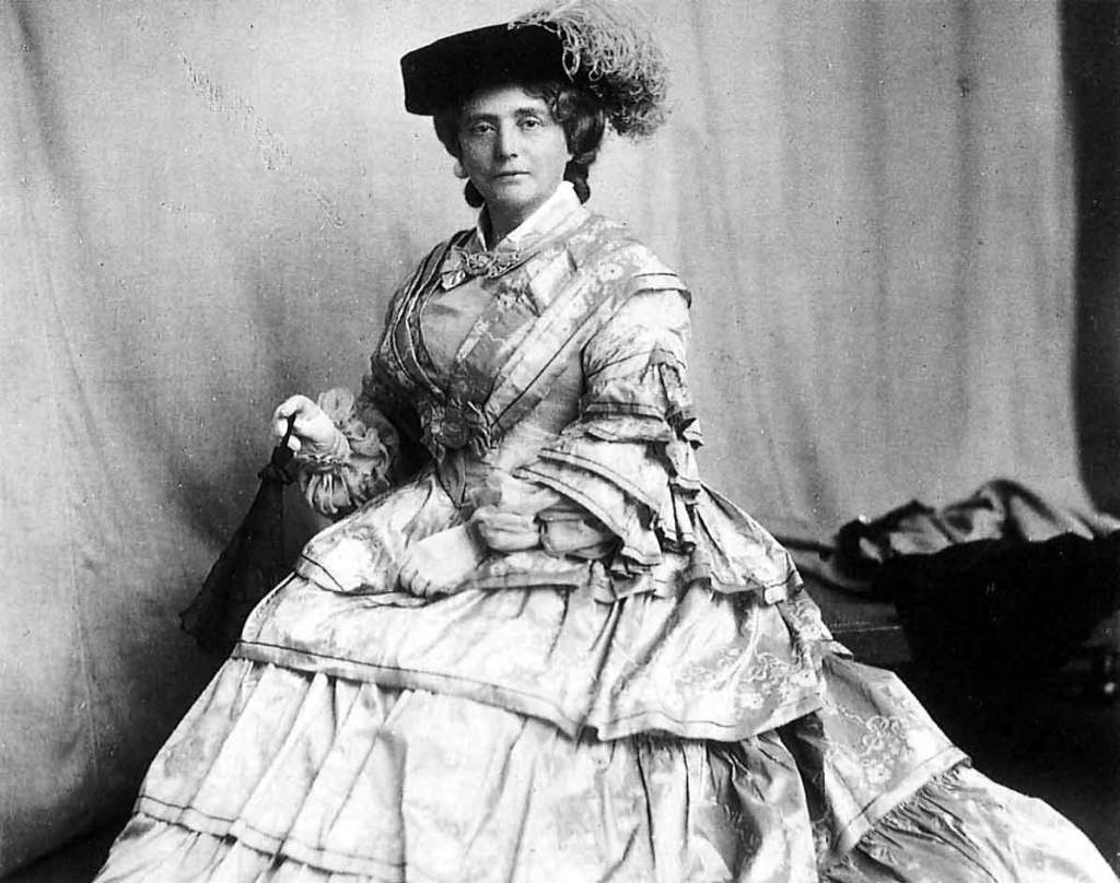 Catherine Cranston by James Craig Annan, probably taken in the late 1890s.