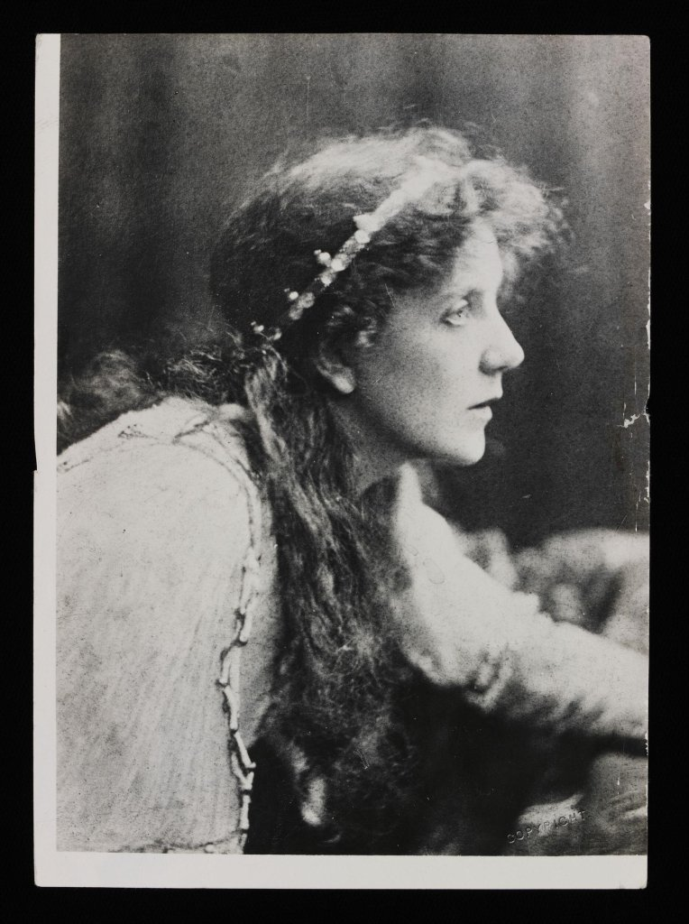 Lena Ashwell in King Arthur, 1895